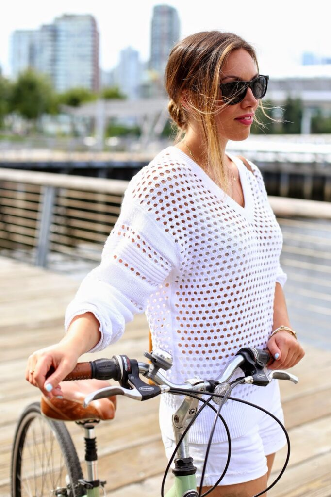 to vogue or bust, vancouver style blog, vancouver fashion blog, vancouver fashion, vancouver style, canadian fashion blog, alexandra grant, old navy diva shorts, 424 fifth sweater, zara suede booties, massimo dutti bag, bike style, bike chic, top fashion blog, top style blog, top canadian style blog, summer style
