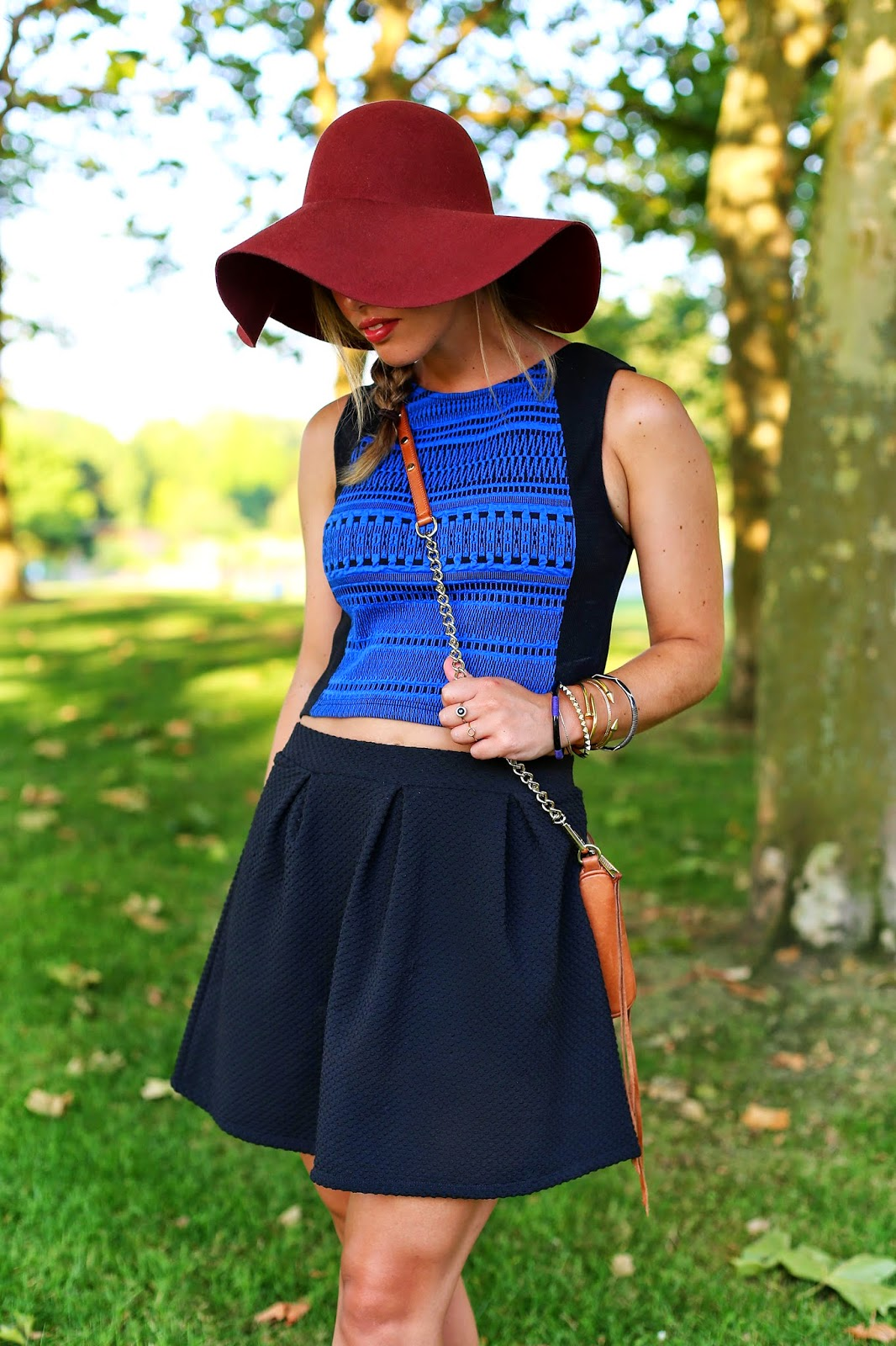 How-to-Style-a-Floppy-Hat-1