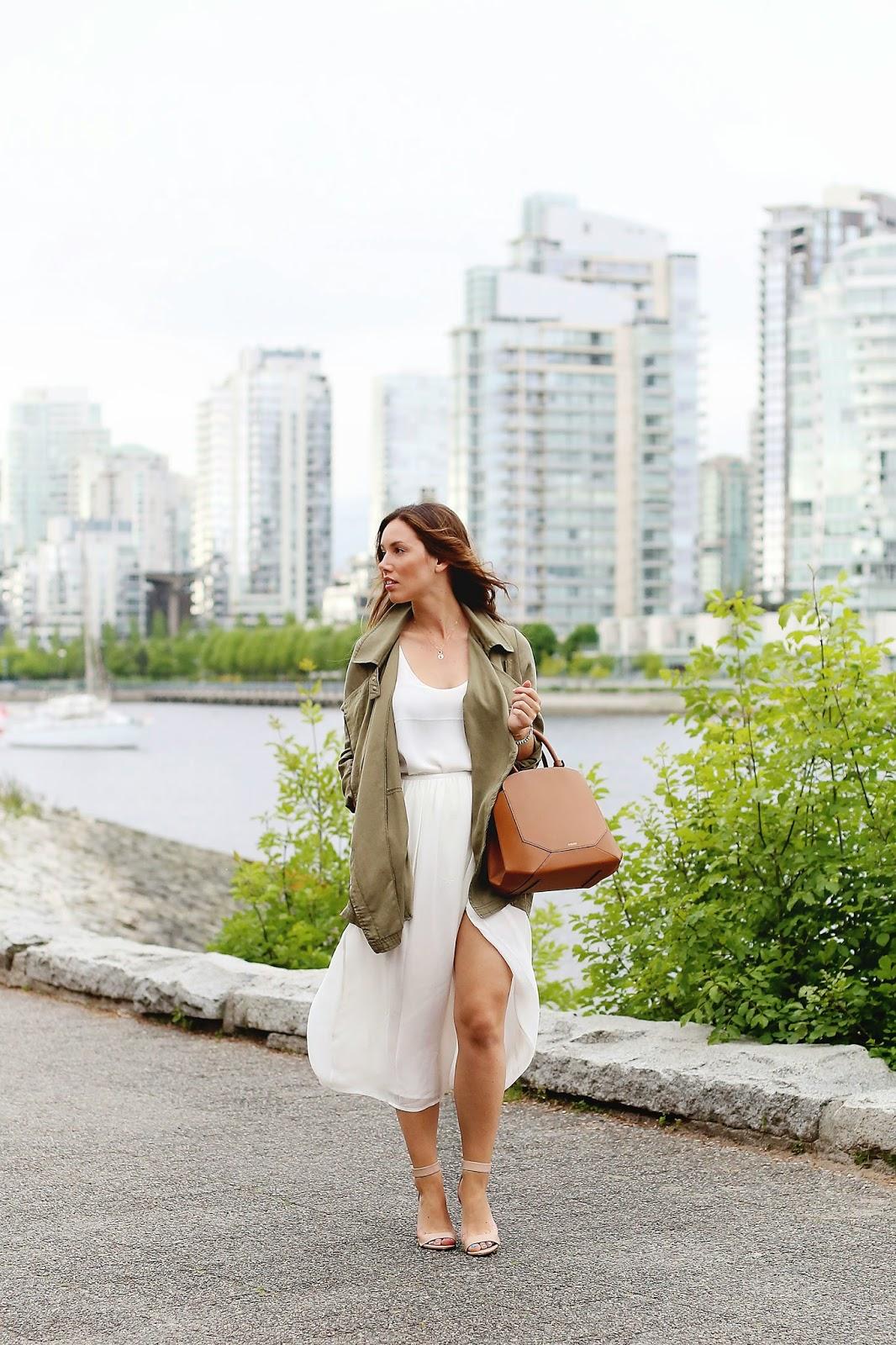 how-to-wear-a-silk-slit-skirt-2