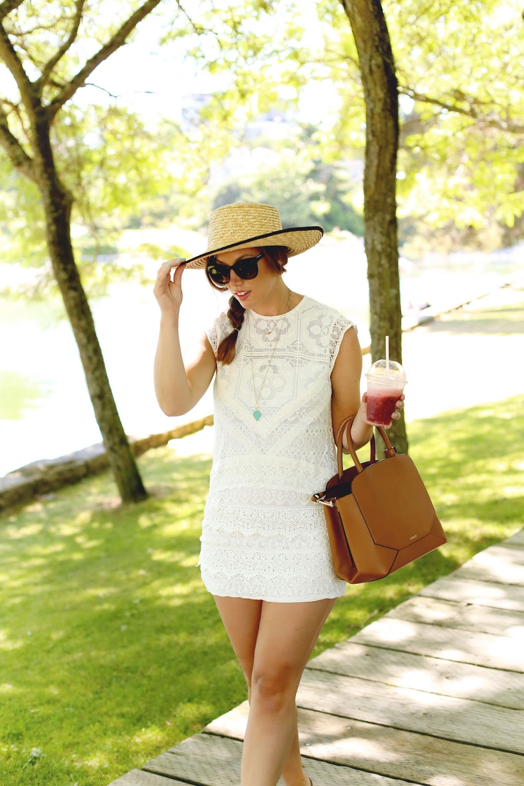 how-to-wear-a-lace-dress-1