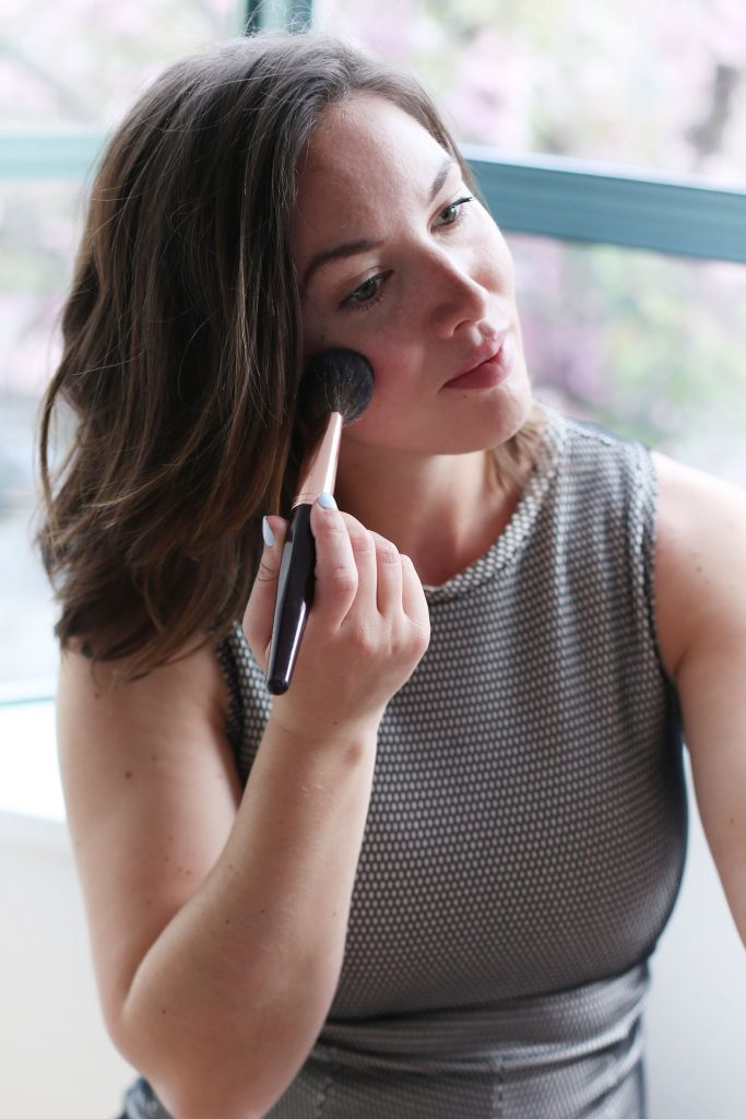 How to contour with blush