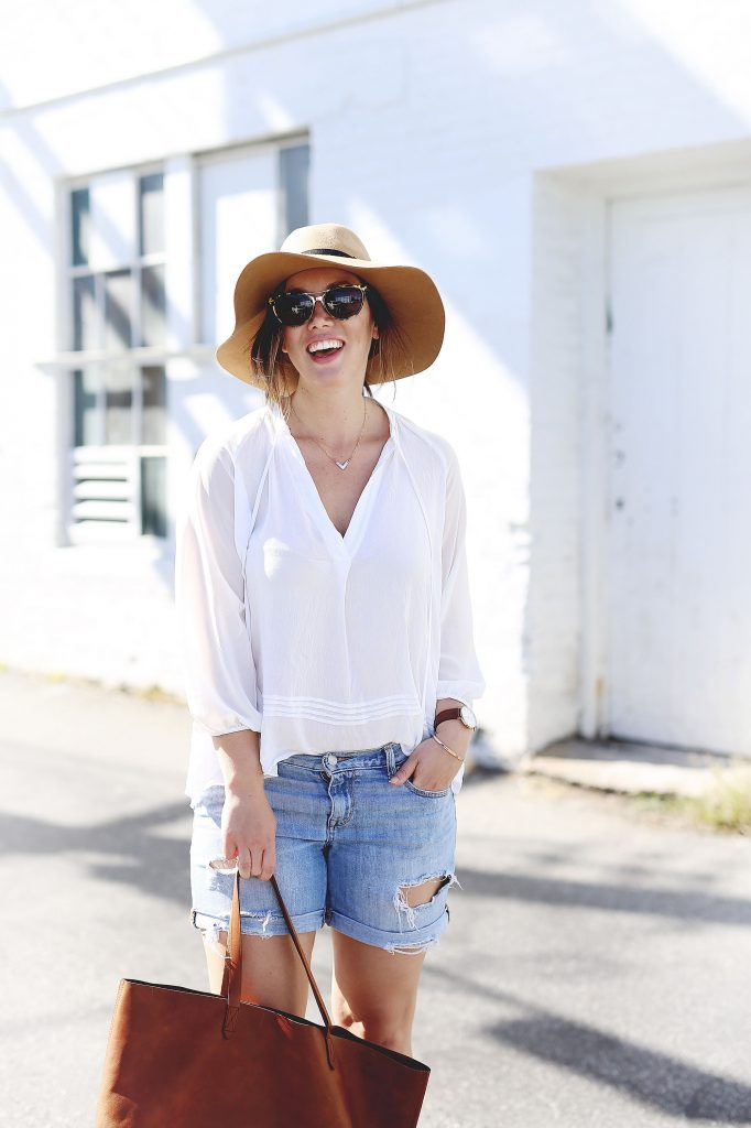 Floppy hat outfit idea