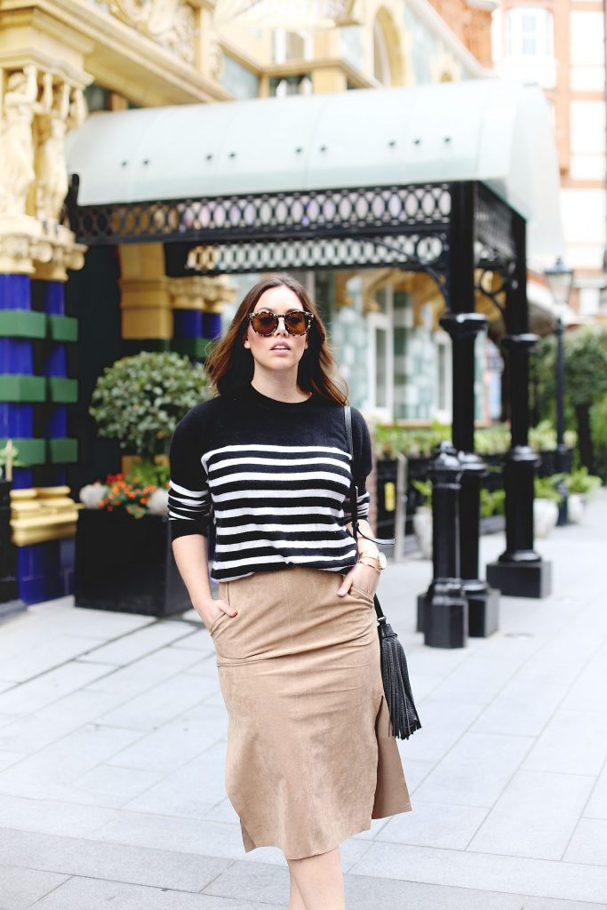 Suede pencil skirt oufit idea.