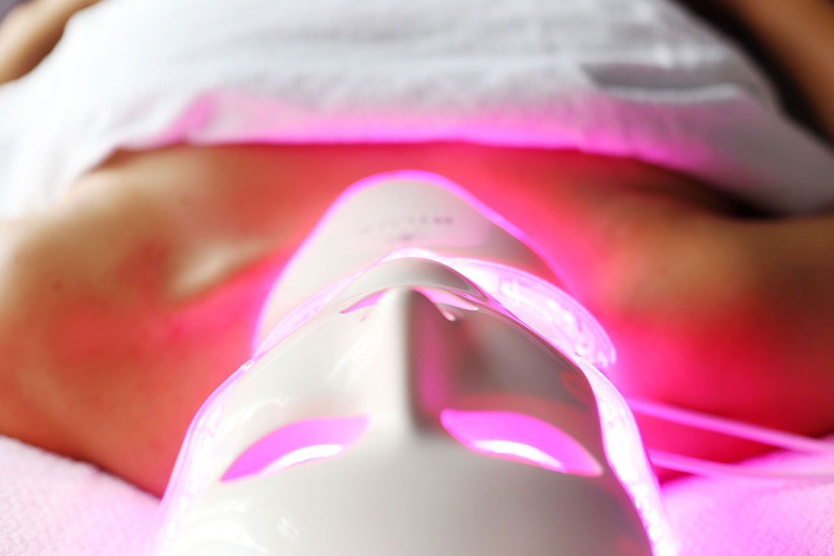 All led light facial