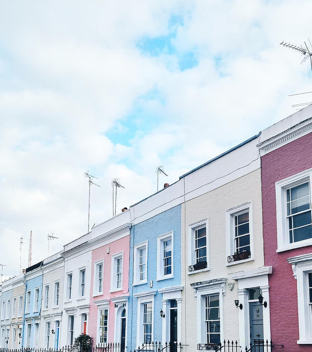 Best views of Notting Hill's famous pastel houses in London, United Kingdom