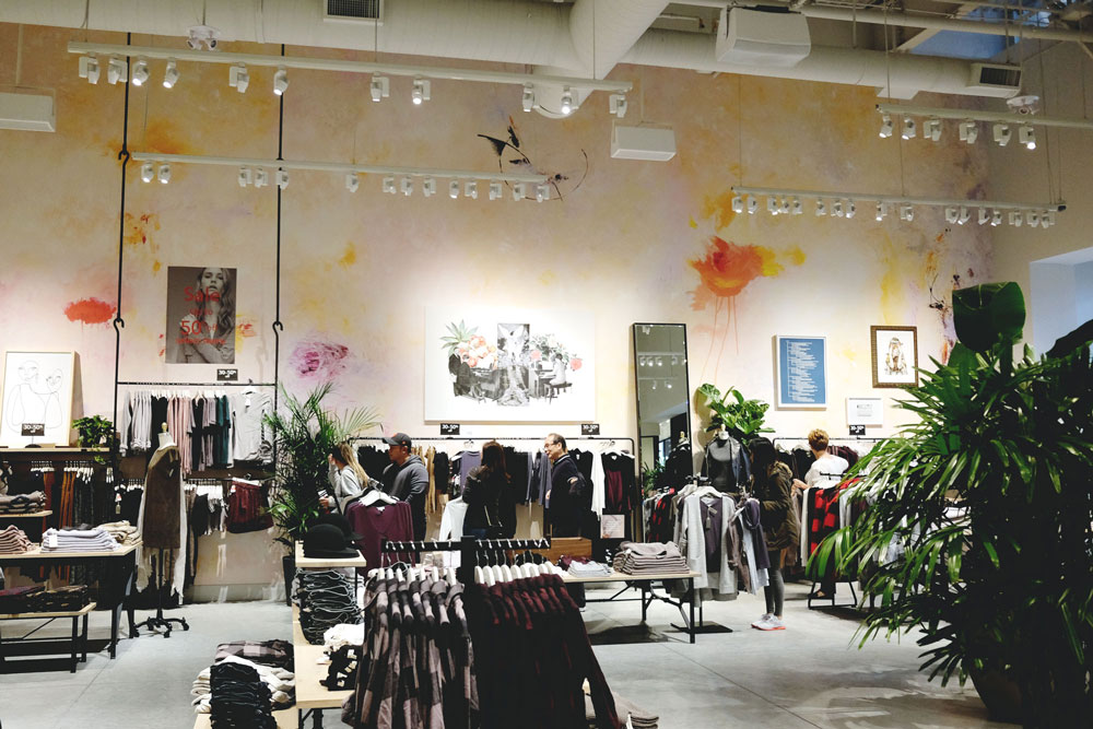 To Vogue or Bust shares details about the Tsawwassen Mills grand opening at Aritzia