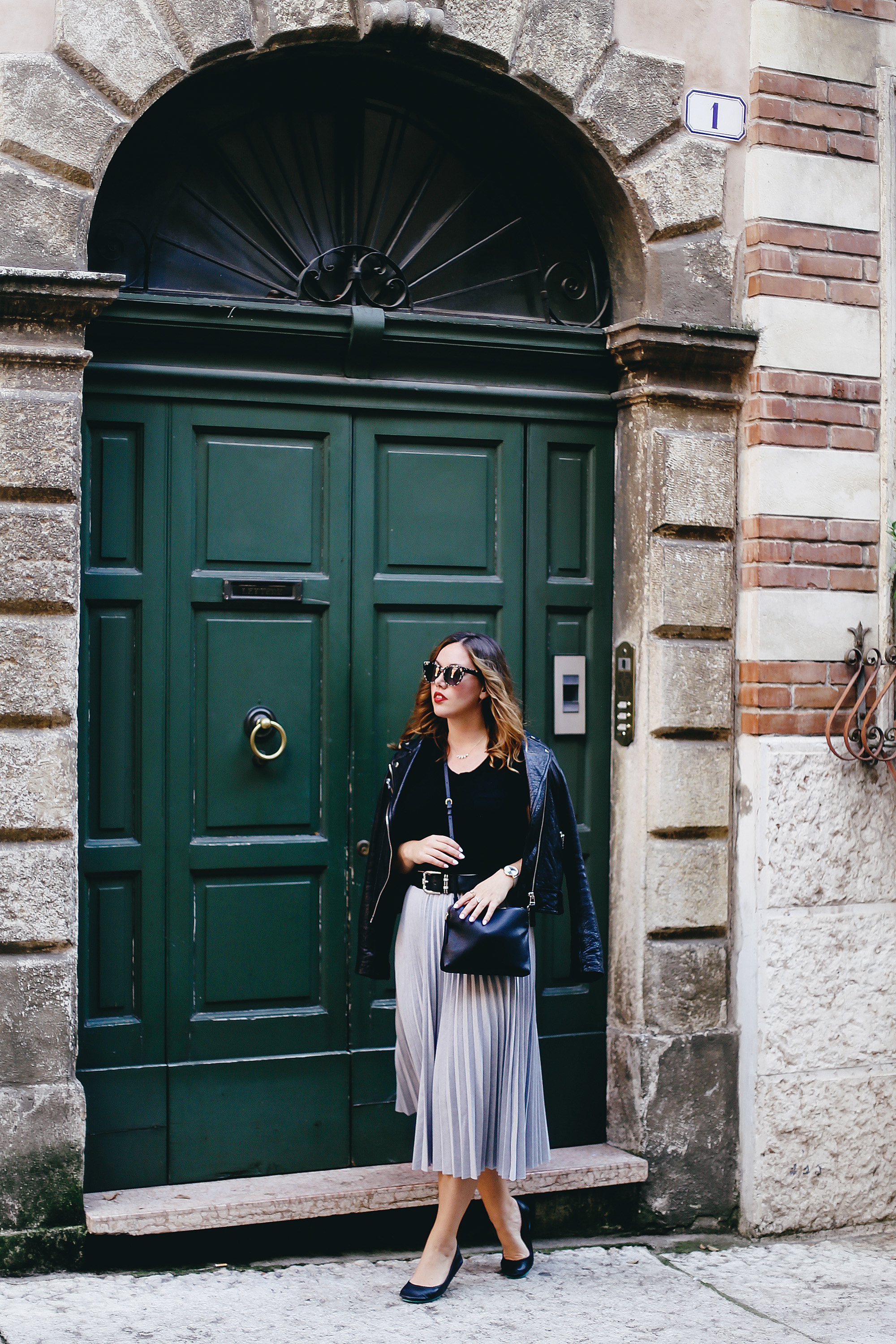 Why you should pack cashmere for travelling: White + Warren cashmere shirt as worn by To Vogue or Bust in Verona, Italy