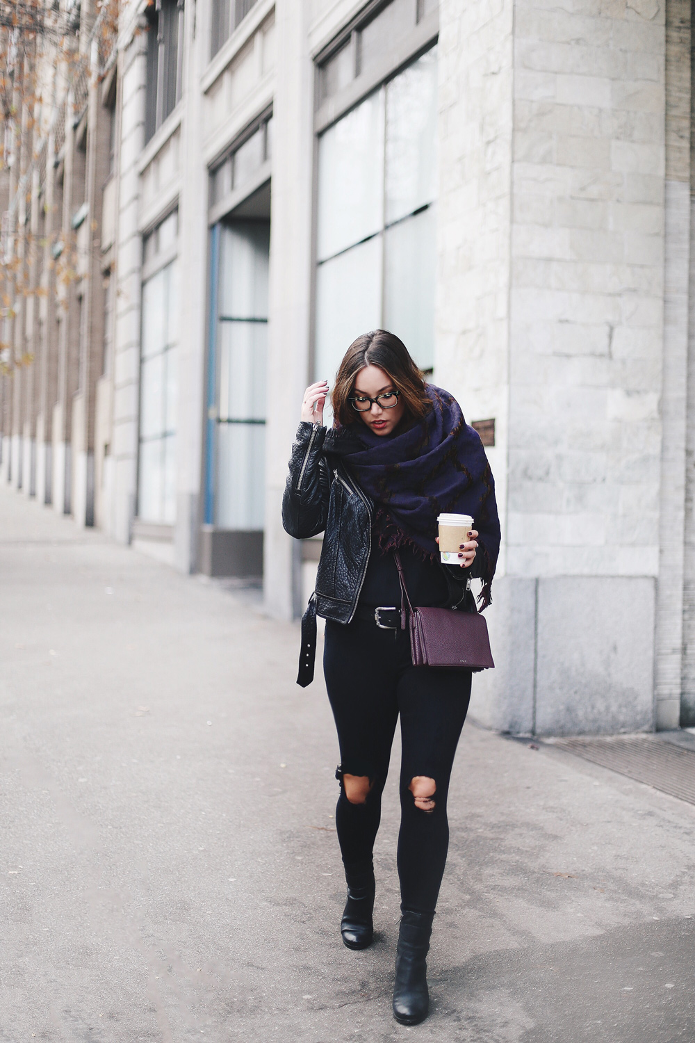 Tips to wear a blanket scarf on To Vogue or Bust in an Aritzia aztec print blanket scarf, James Jeans skinny jeans, Mackage leather jacket, Bailey nelson leather jacket, Aritzia leather bag, Frye ankle boots