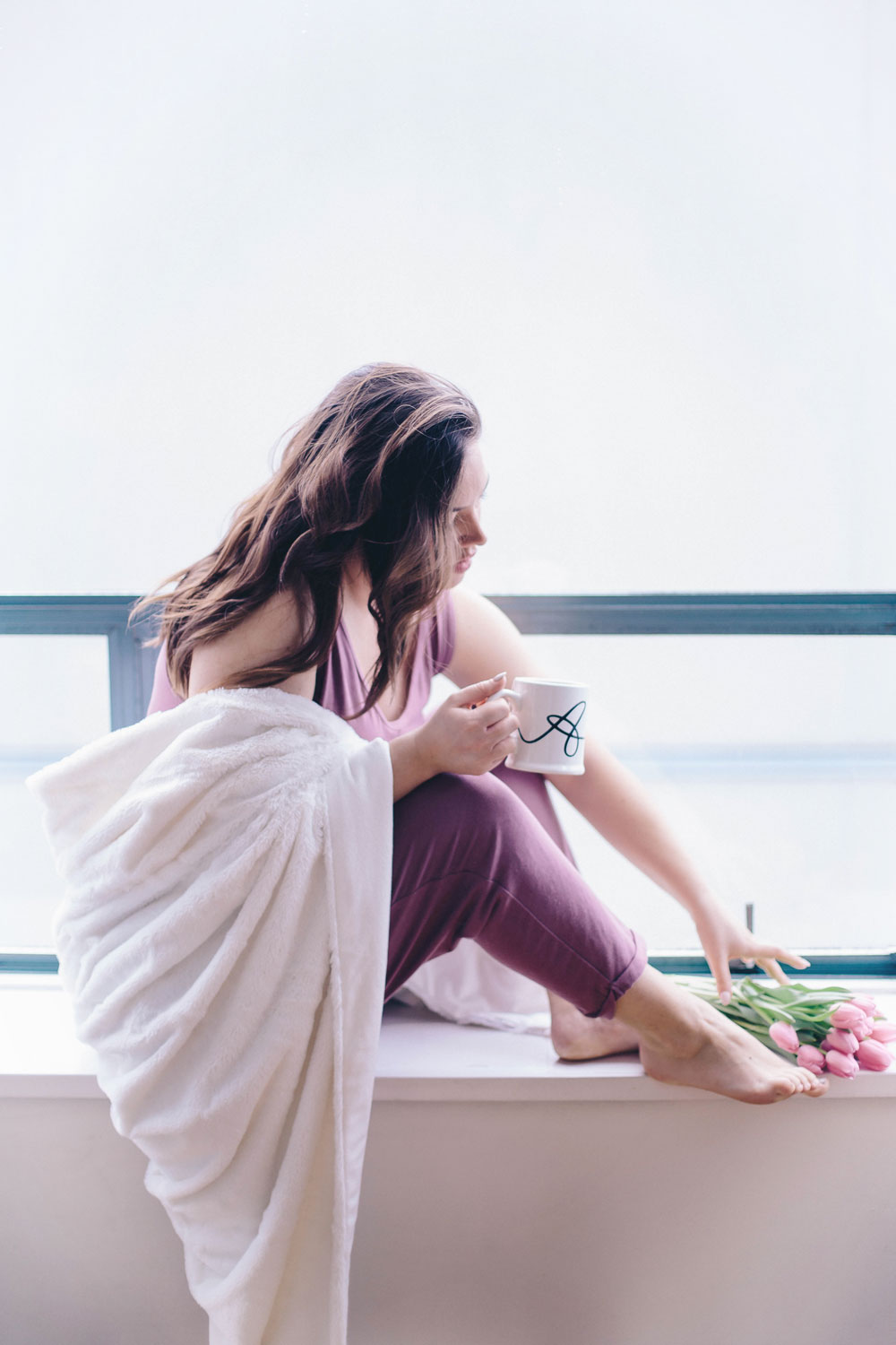 Tips on how to have beauty sleep, how to have a good night sleep, best sleeping masks, la roche posay micellar water, night skin care routine by To Vogue or Bust