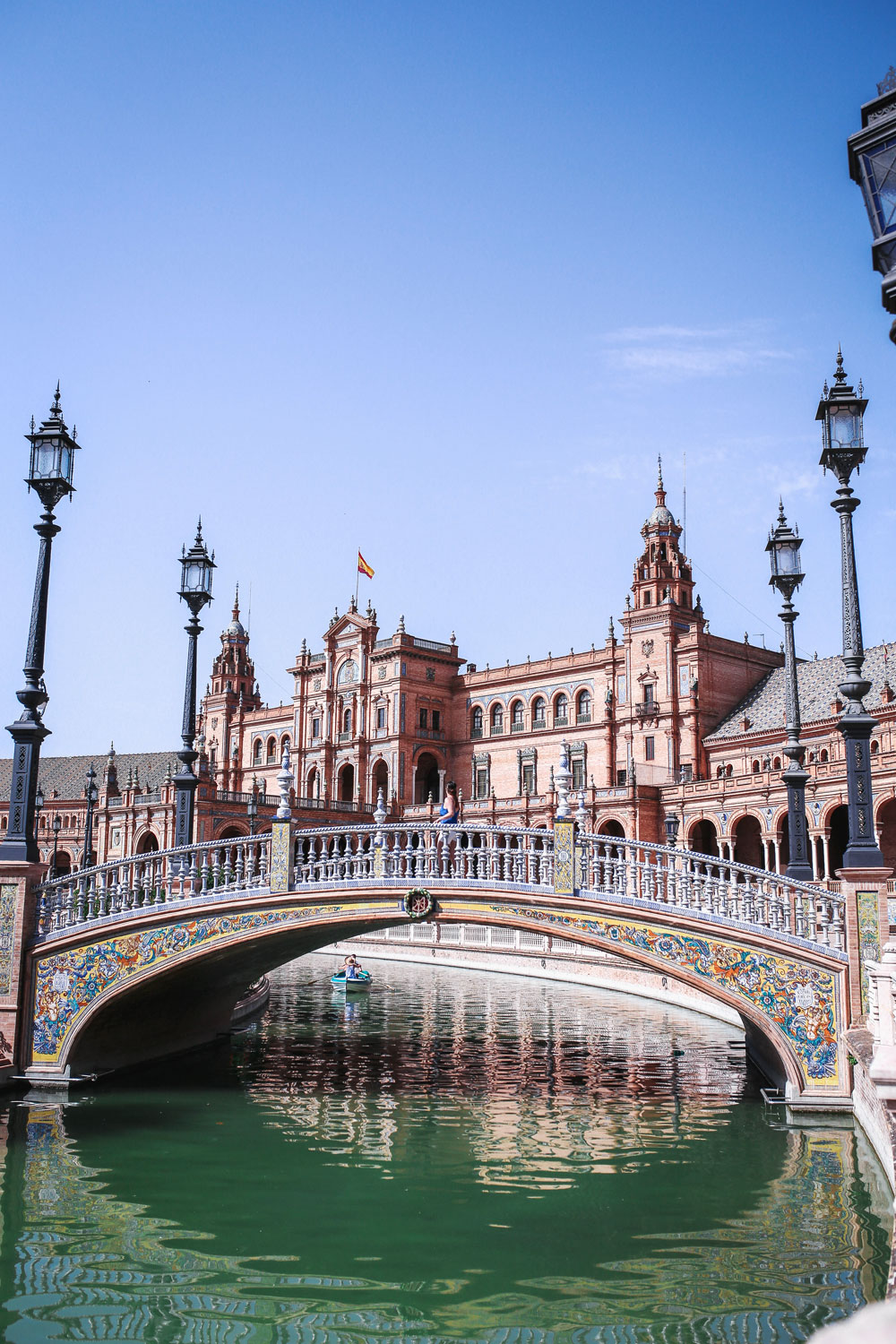 Seville travel guide by To Vogue or Bust
