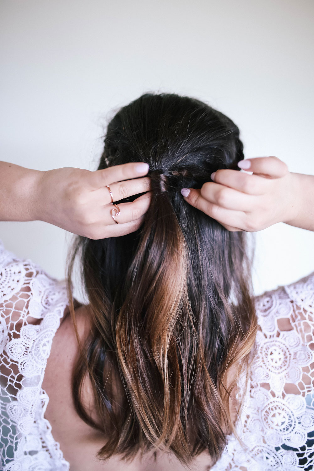 go to hair tutorial for beachy waves by To Vogue or Bust