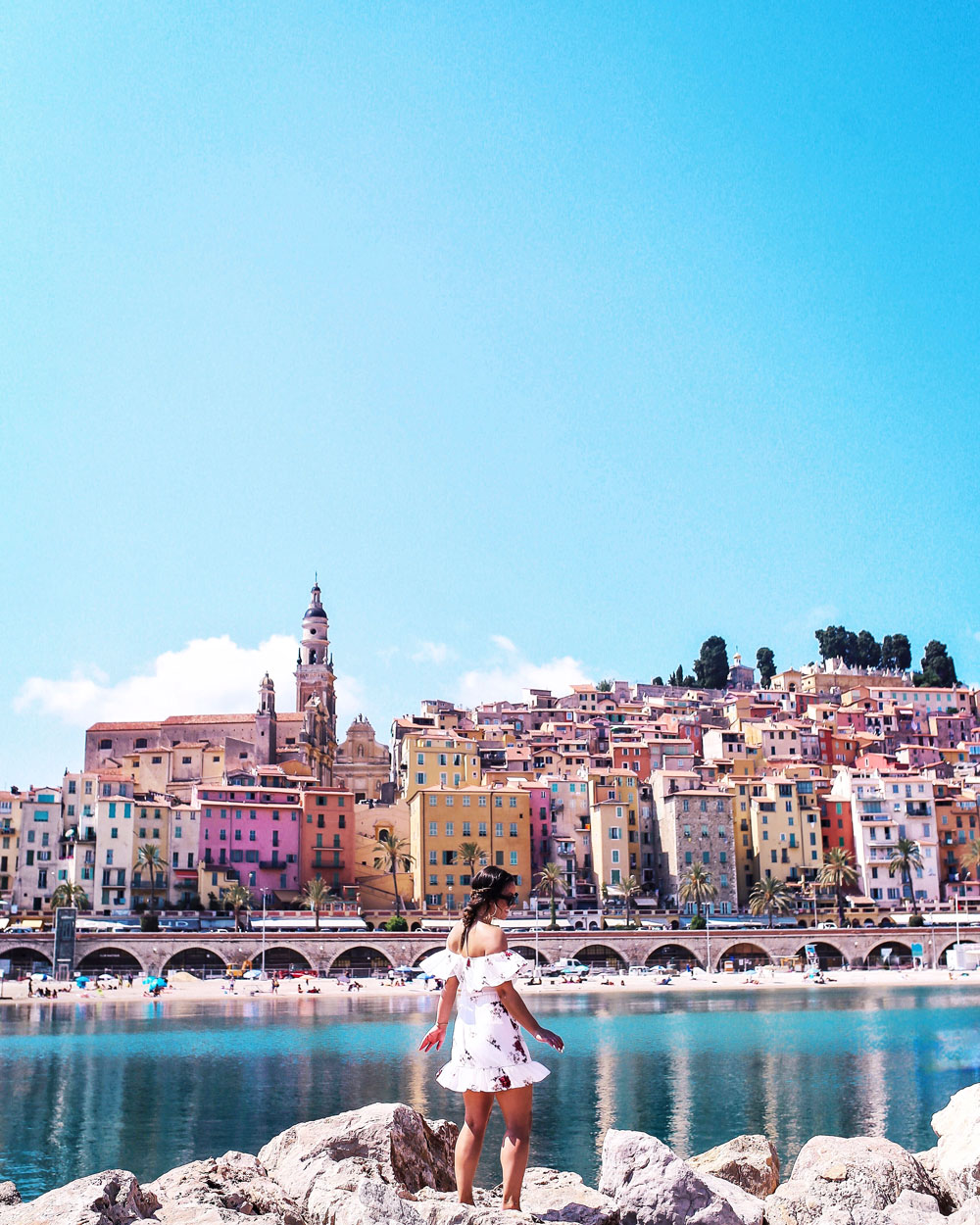 Travel blogging tips and guide by To Vogue or Bust