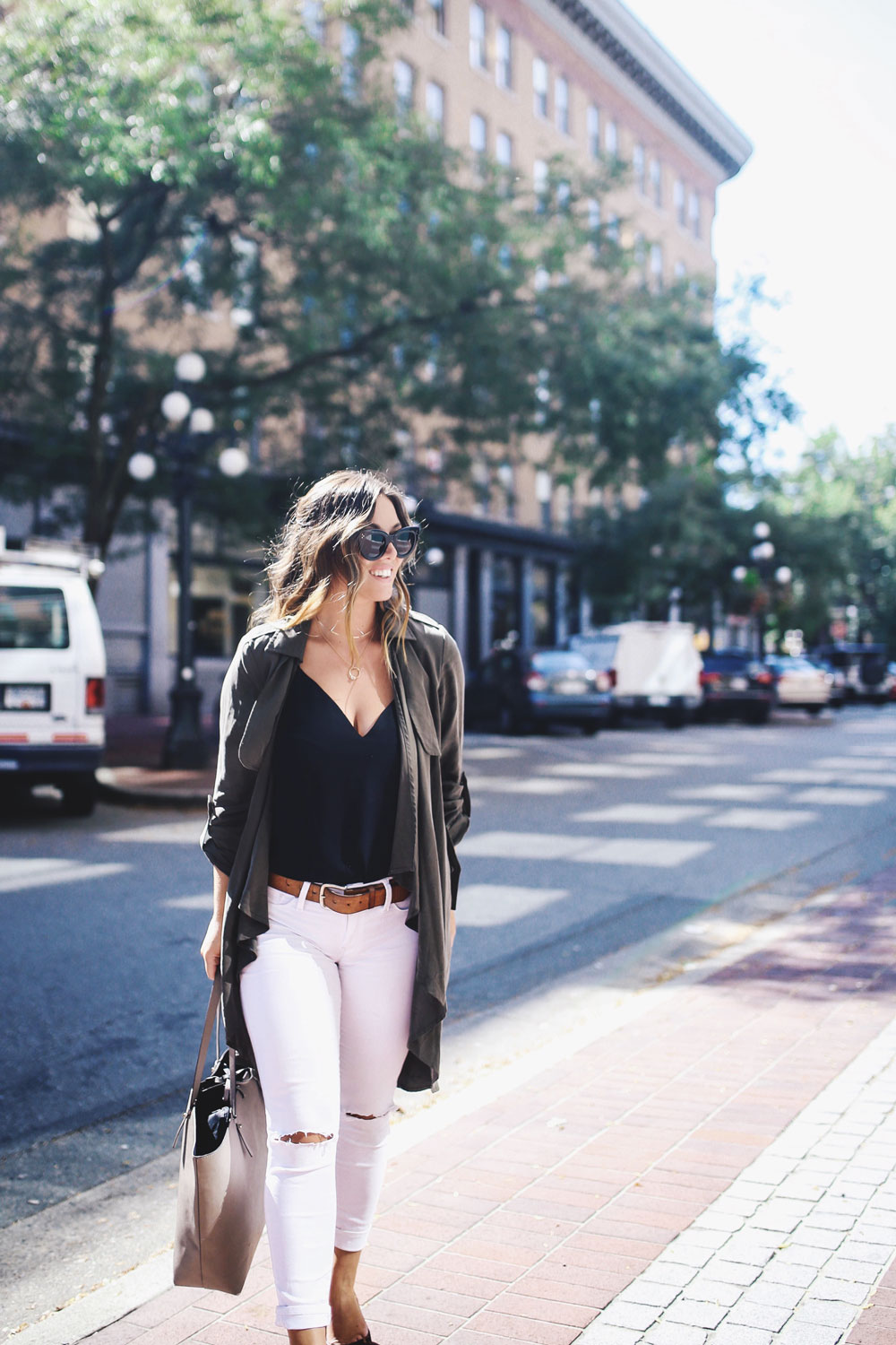White denim outfit with Mavi white skinny jeans by To Vogue or Bust