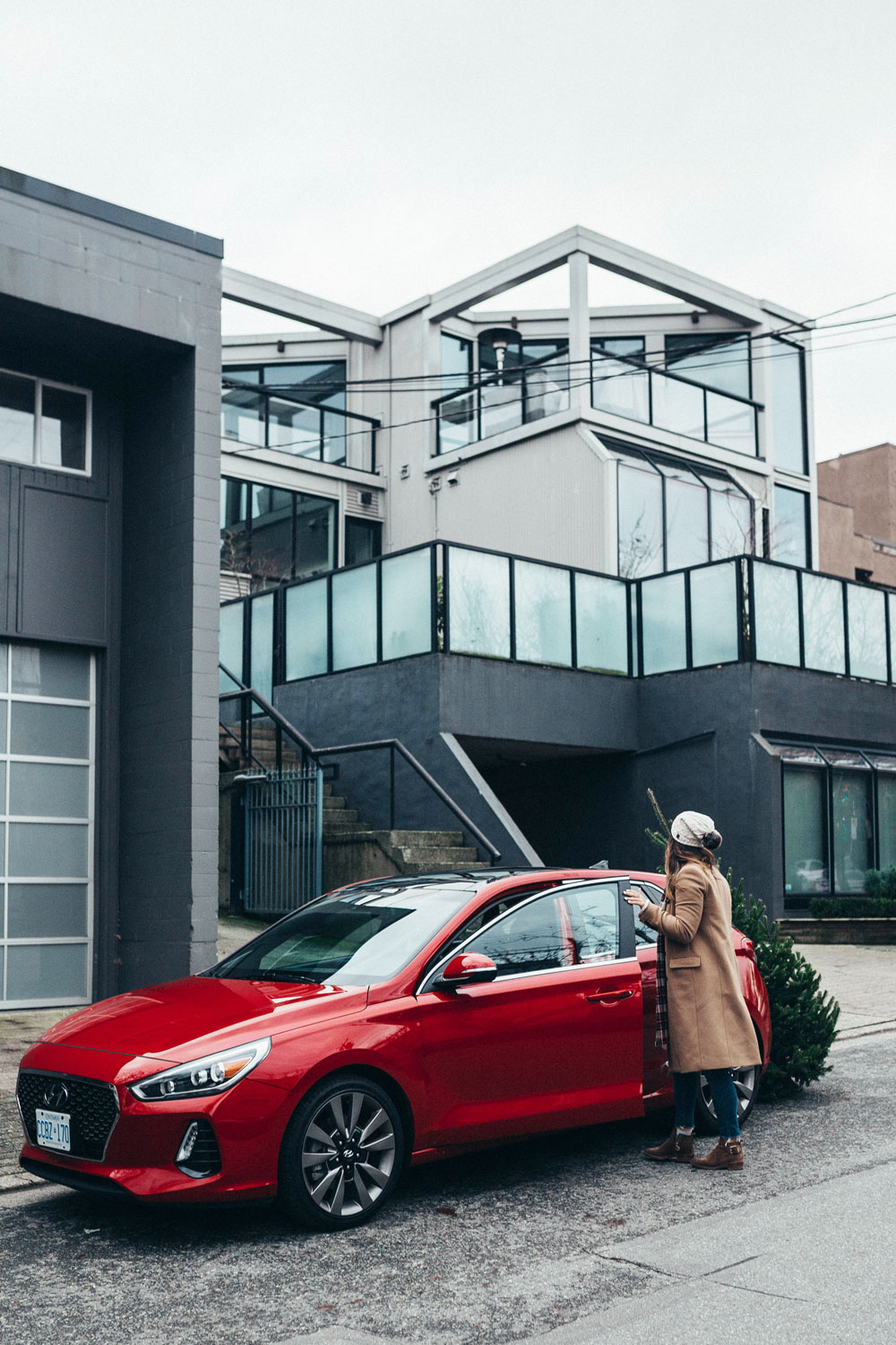 Hyundai elantra review by To Vogue or Bust
