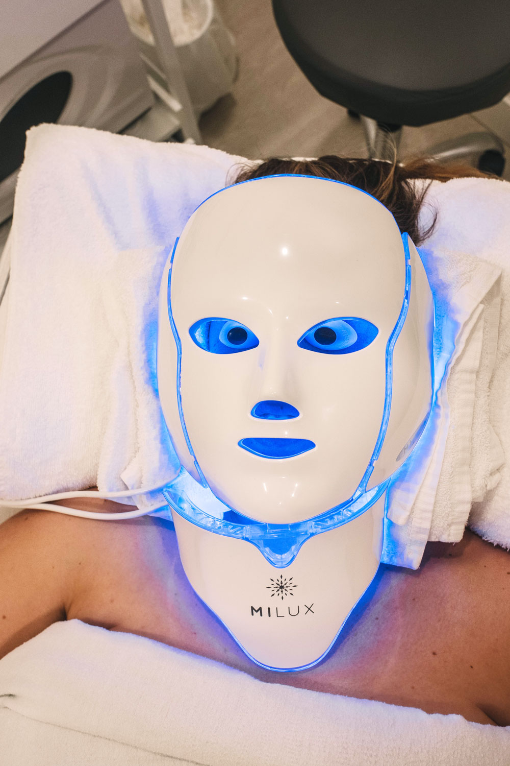 led light therapy by To Vogue or Bust