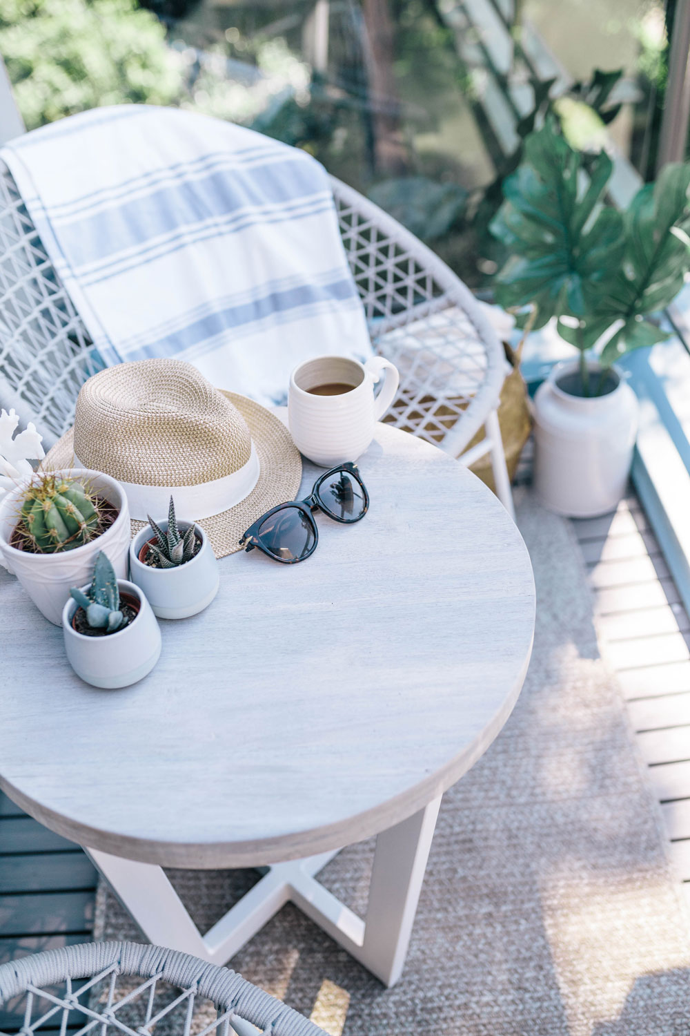 Small outdoor space decorating ideas