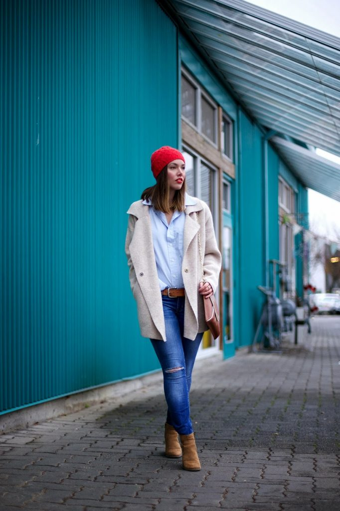to vogue or bust, vancouver style blog, vancouver fashion blog, vancouver fashion, canadian fashion blog, alexandra grant, winter style, H&M toque, menswear shirt, free people sweater coat, gap canada ripped skinny jeans, old navy booties, lush cosmetics emotional brilliance