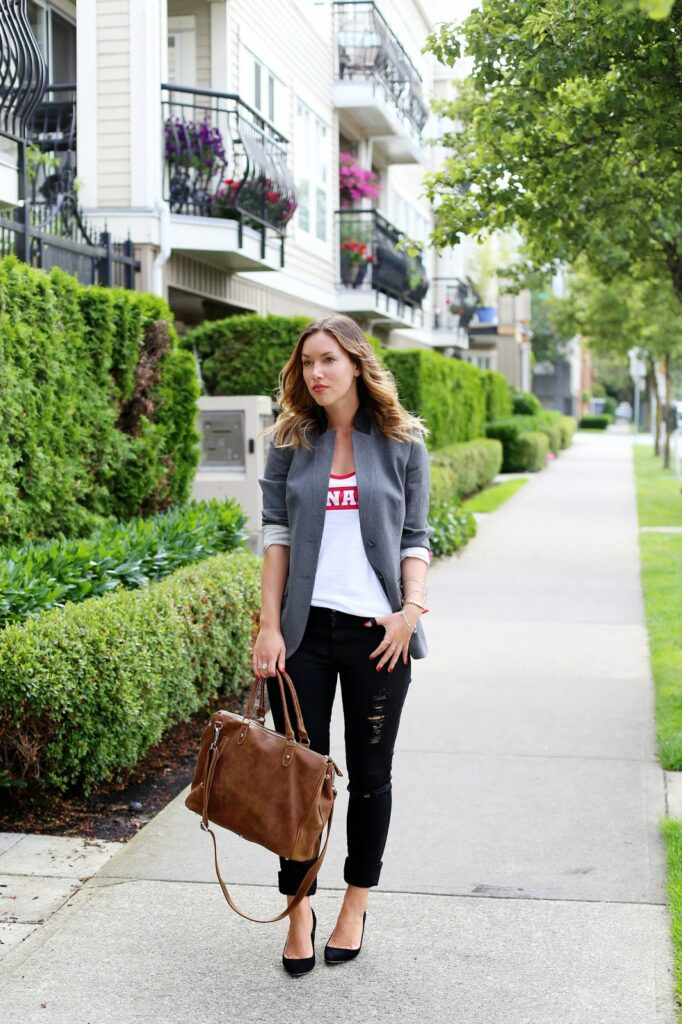 to vogue or bust, vancouver style blog, vancouver fashion blog, vancouver style blog, alexandra grant, canadian fashion blog, canada day, canada day style, roots canada, roots tribe bag, roots canada day tank top, james jeans skinny jeans, j.crew everly heels, jigsaw london blazer, j.crew bracelet, summer style, casual chic, top vancouver style blog, top vancouver fashion blog, top canadian style blog, top fashion blog
