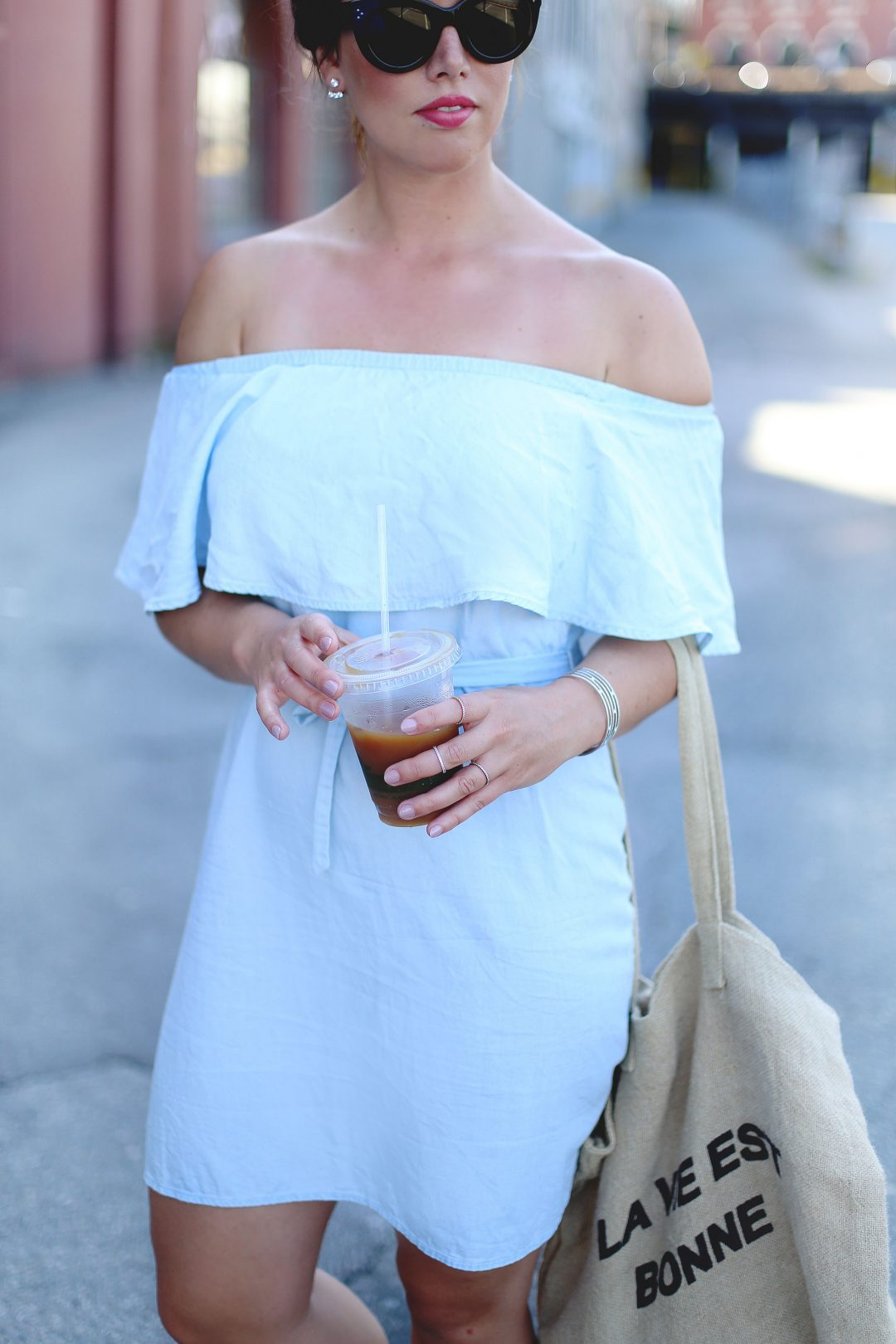 How to wear off the shoulder dresses