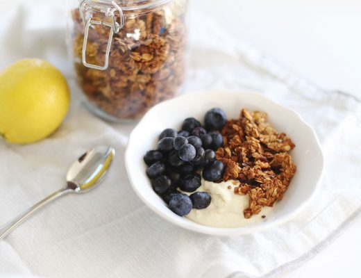 To Vogue or Bust overnight oats breakfast recipe with vegan lemon curd, vegan banana bread granola and blueberries.
