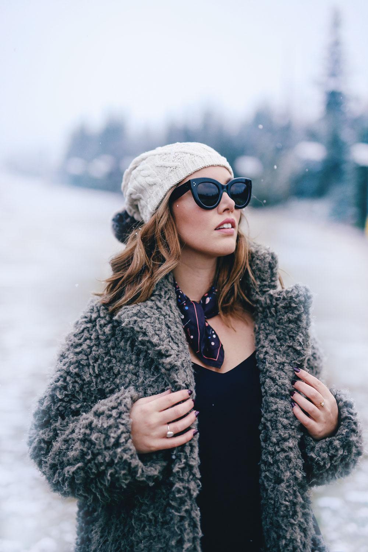 aritzia-neck-scarf