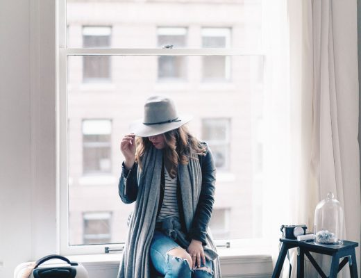 Outfits to wear while travelling on a plane in Ecco shoes, Leah Alexandra jewelry, best travel accessories, flight outfit ideas, airport style, what to wear on a plae, sneakers for flights, stylish luggage tags by To Vogue or Bust