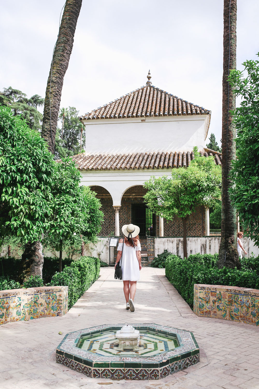 Guide to alcazar seville by To Vogue or Bust