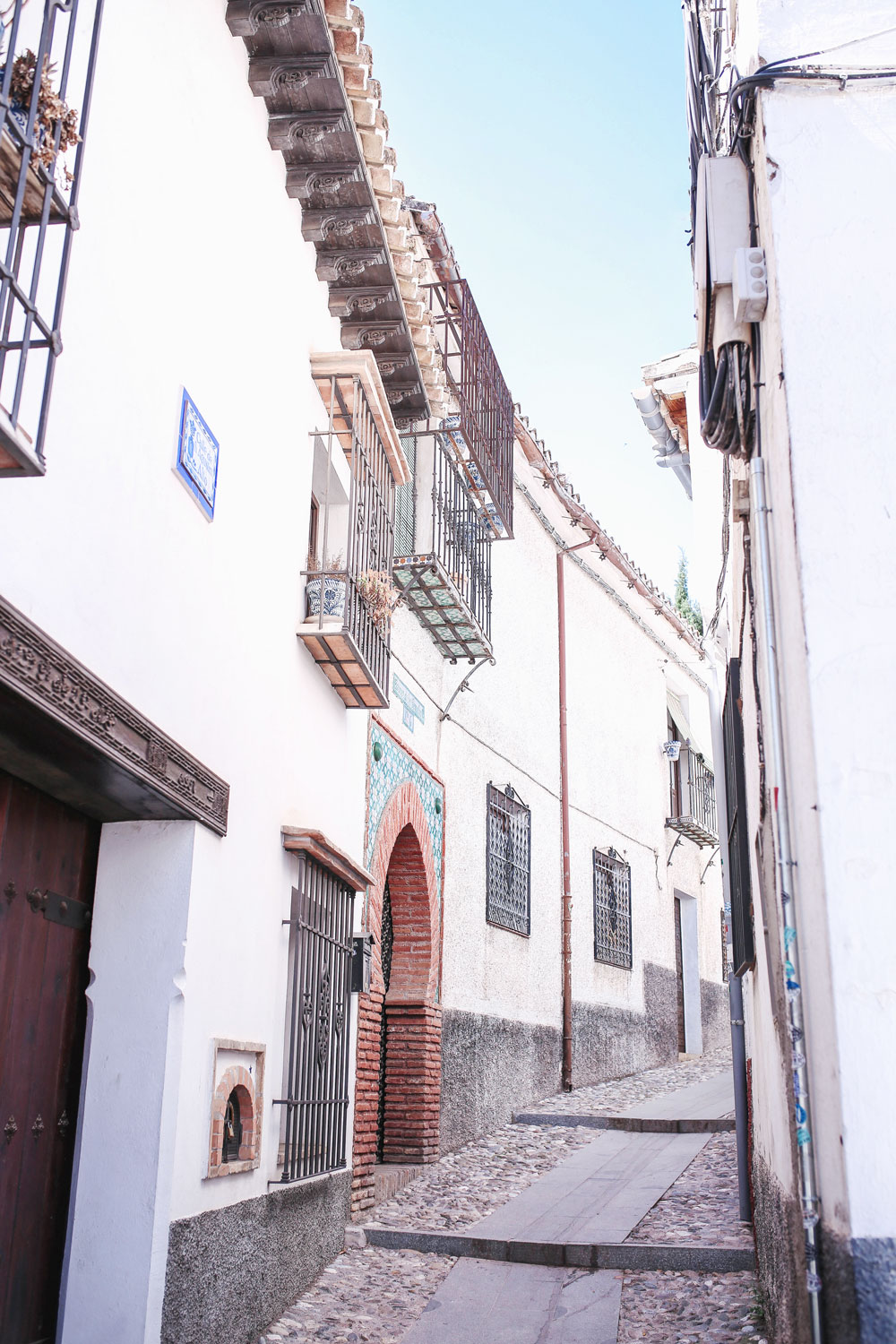 Best walking route to explore granada by To Vogue or Bust