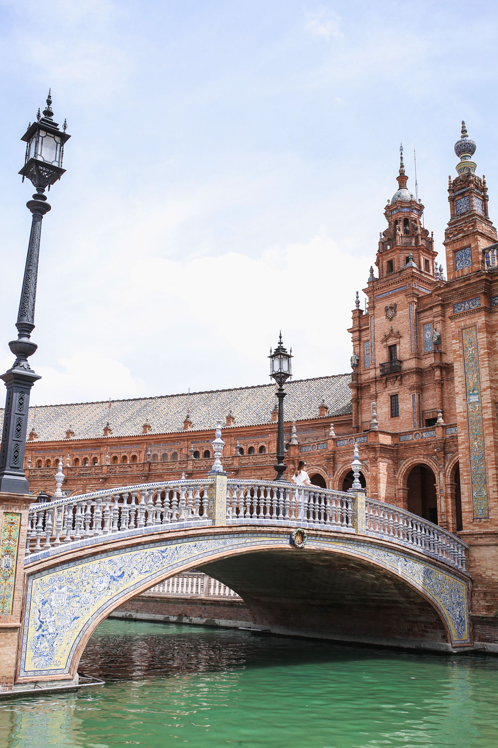 guide to plaza de espana by To Vogue or Bust