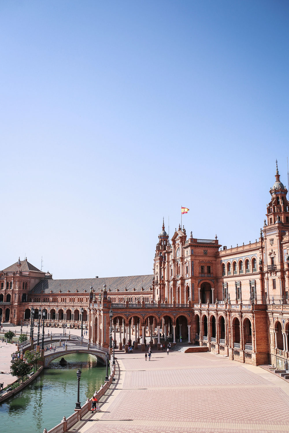 guide to plaza de espana seville by To Vogue or Bust