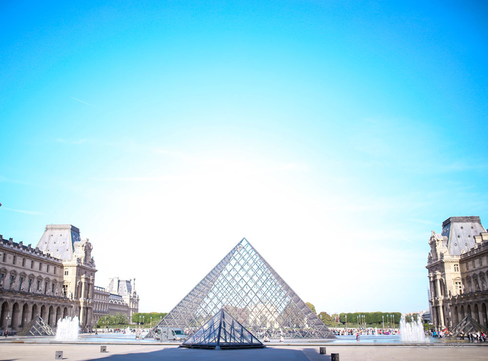 Where to stay in paris louvre museum by To Vogue or Bust