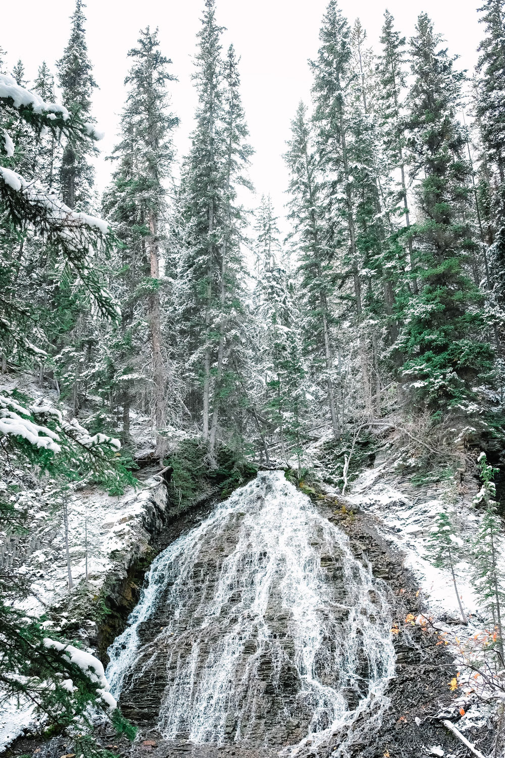What to see in jasper bridal veil falls by To Vogue or Bust