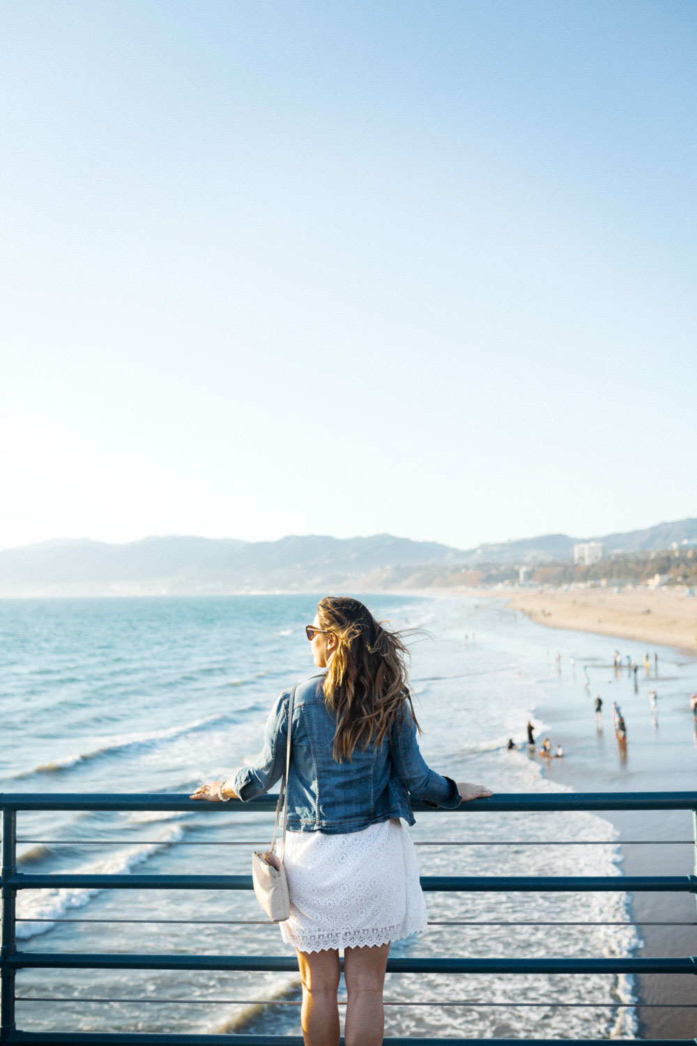 what to pack for california by To Vogue or Bust