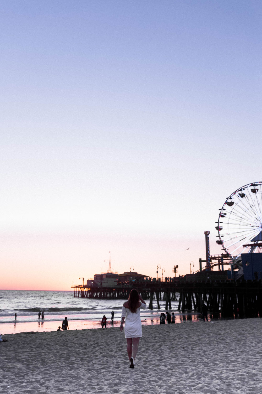 where to watch santa monica sunset by To Vogue or Bust