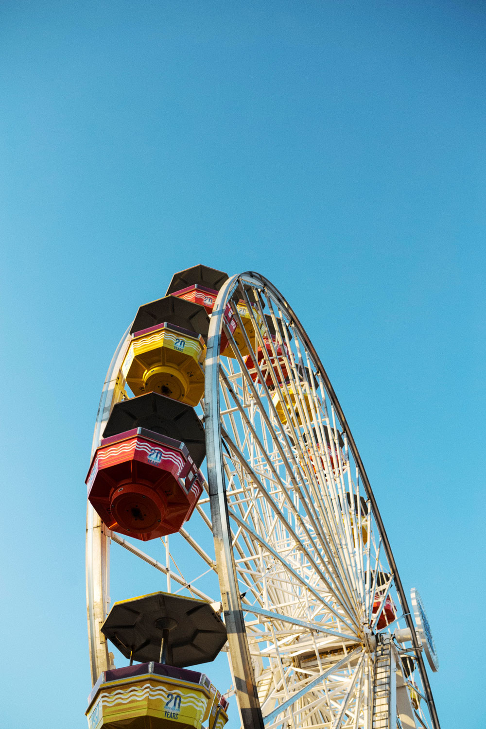santa monica ferris wheel by To Vogue or Bust