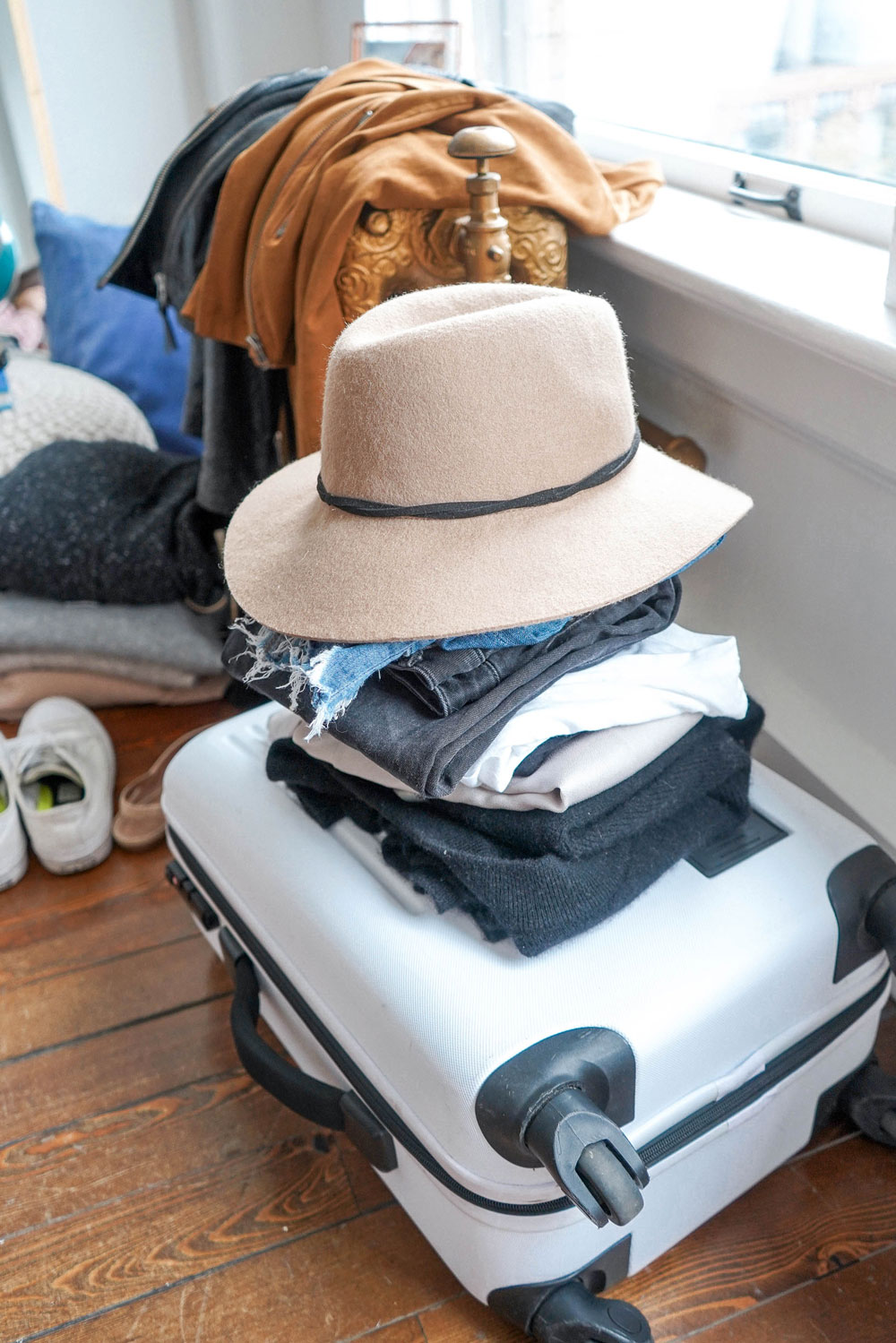 How to pack a carry on bag for 10 days