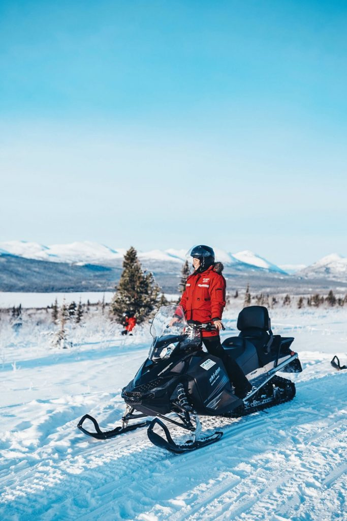 Snowmobiling tours Yukon
