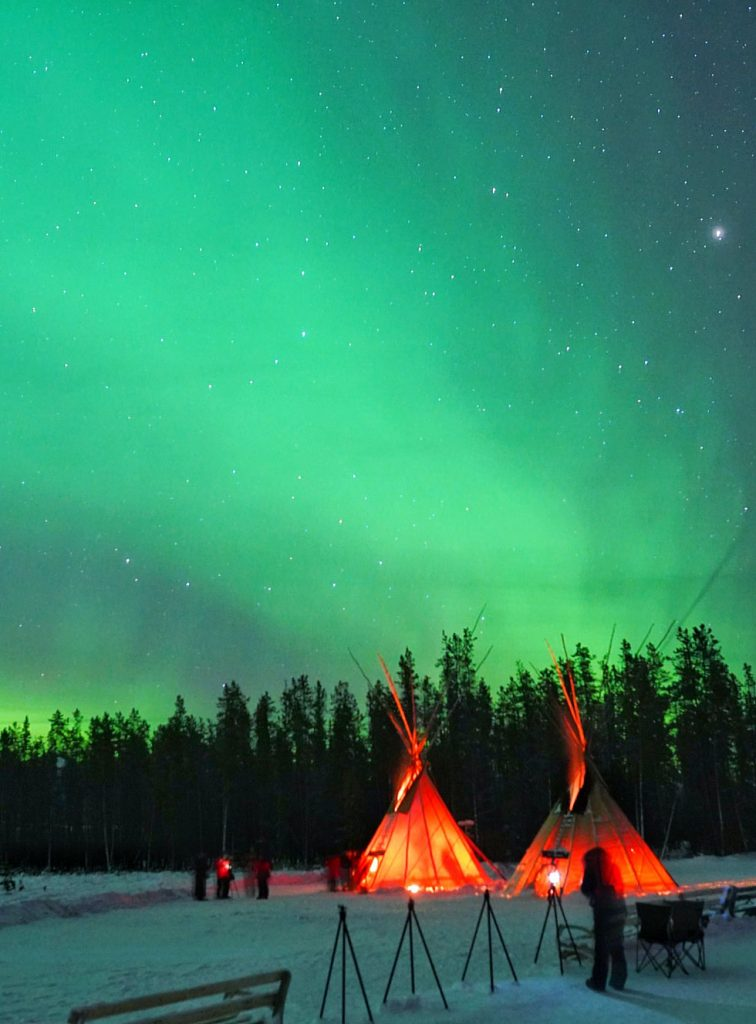 Where to see the northern lights in canada